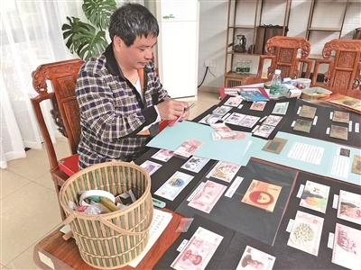 """白鹤街道开启""""布展讲史"""" 居民在家门口办起公益党史展览"""