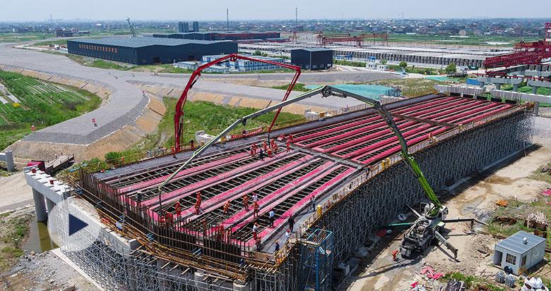 杭甬高速复线宁波段一期项目西段开始现浇箱梁
