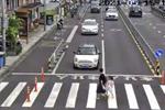 火了!宁波这个路口直播过马路 数十万人围观