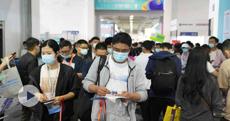 """宁波这场博览会成跨境电商""""阅兵场"""" 记者现场直击"""