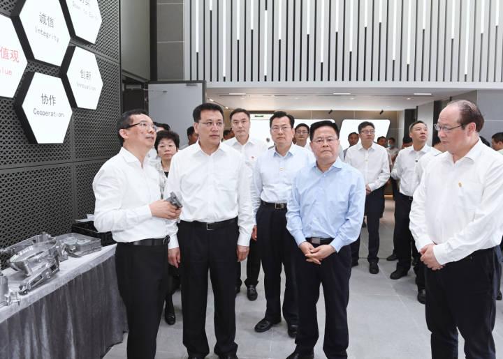 袁家军郑栅洁在宁波调研:以数字化改革构建全新产业生态