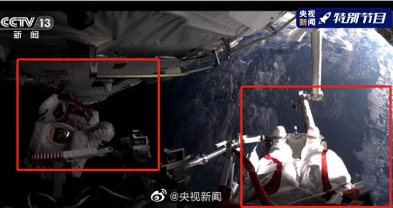 来了!两位航天员舱外首张合影