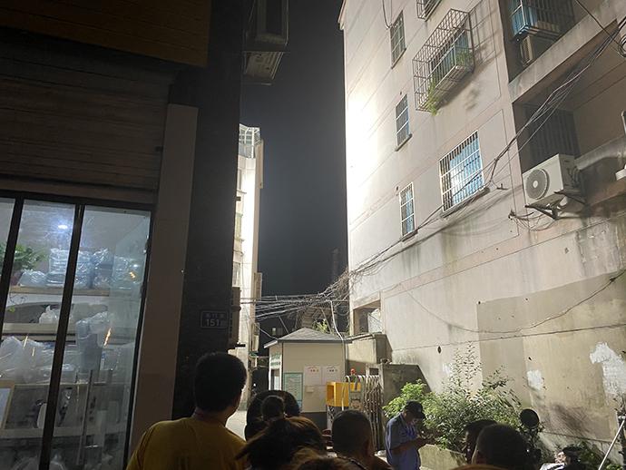 吴江一酒店辅房坍塌。澎湃新闻记者 袁杰 图