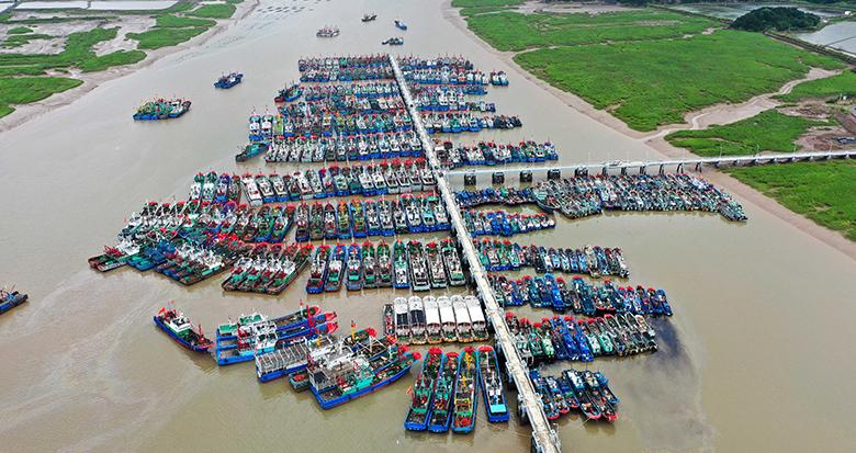 象山2000多艘渔船紧急转移