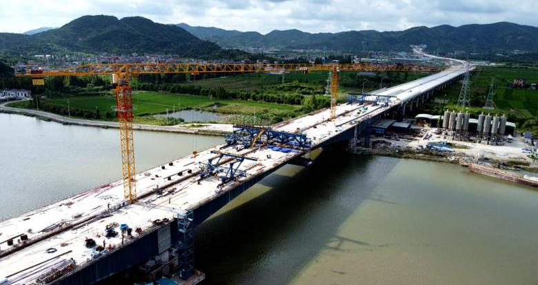 胜陆公路跨姚江大桥(郭姆渡大桥)左幅合龙
