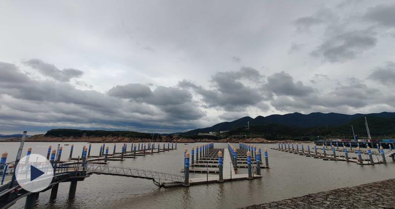 """台风影响减弱 看看亚帆中心的壮丽""""云图"""""""