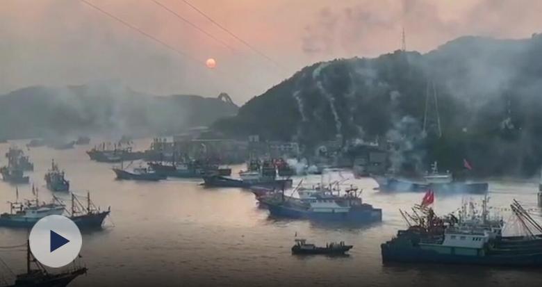 象山渔船今早解禁出海 石浦港千舟竞发