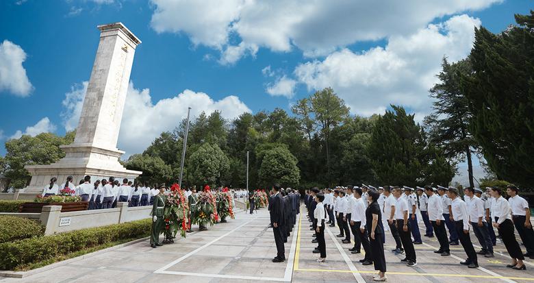宁波市各界向革命烈士敬献花篮