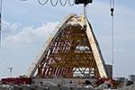 """新典桥主桥完成顶推!400多米的路 """"走""""了68天"""