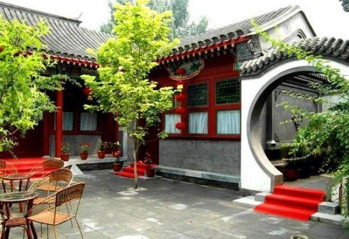 北京四合院从平面布局到内部结构,细部装修都形成了北京特有的京味